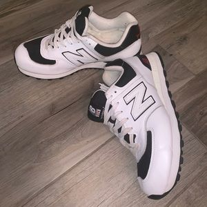 NEW BALANCE White and Black Sneakers